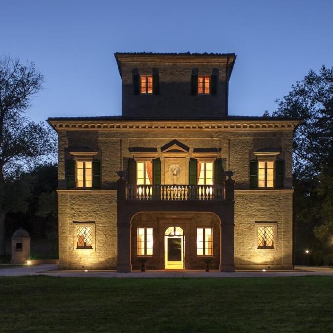 Villa Arum Lily front